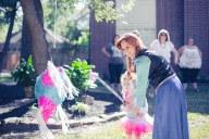 Frozen princess helping Birthday girl