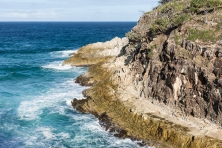 rocky beach on stradbroke island