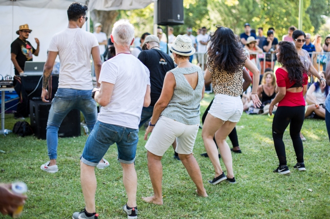 salsa line dance in the park